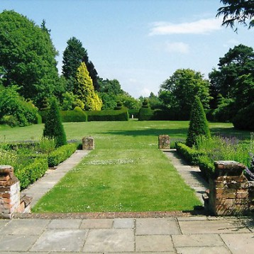 Garden open in aid of St Marys East Bergholt